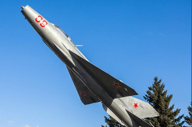 歼-7战斗机,是20世纪60年代中国沈阳飞机制造厂制造的单座单发