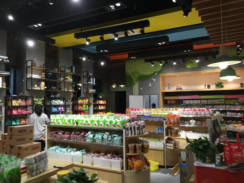 用数据卖零食,良品铺子如何赶超行业第二的百