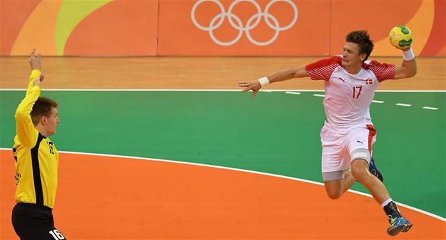 丹麦人如此擅长体育v体育?-白色-东方手部浮水球图片