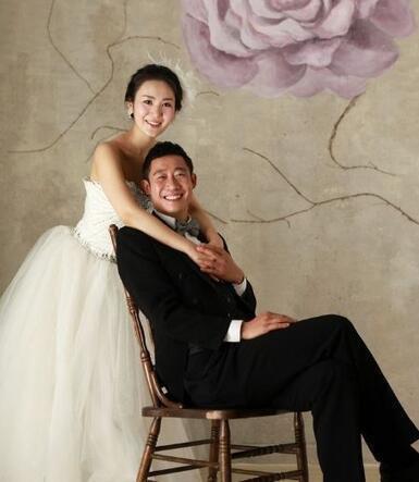 中国足球最会泡洋妞球员,分手俄罗斯美女娶韩