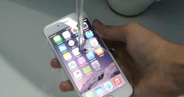 iPhone7进水!苹果原厂保养会受影响吗? - 科技