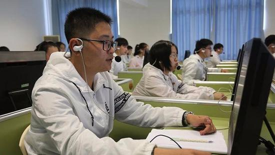 2017年上海春考增加听说测试 减少哑巴英语 -