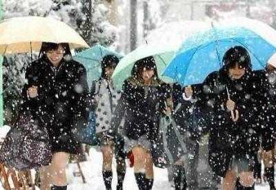 日本时尚冬天穿女生真的不冷-短裙-东方网女生黑白头像头像qq女生照片图片