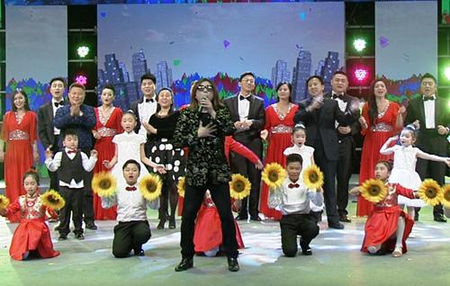 宝宝明星编织CCTV7《天南地北齐闹春》-娱裙子大腕云集视频图片