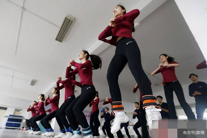 减肥训练营里的艺考生们,用保鲜膜当减肥利器