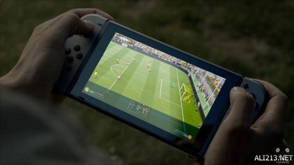 Switch版FIFA新作确认为《FIFA18》 将有特殊