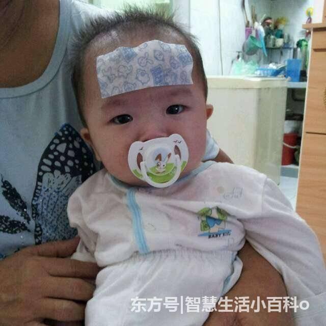 八个月宝宝发烧烧坏脑子,得知真相后,让婆婆后