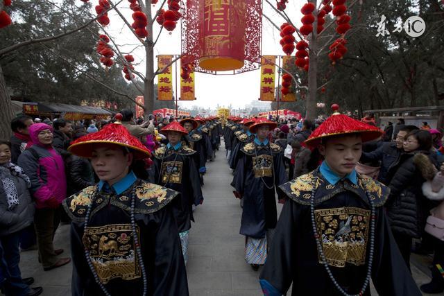 北方多雨吗,为何清朝官兵都带难看的斗笠帽 -
