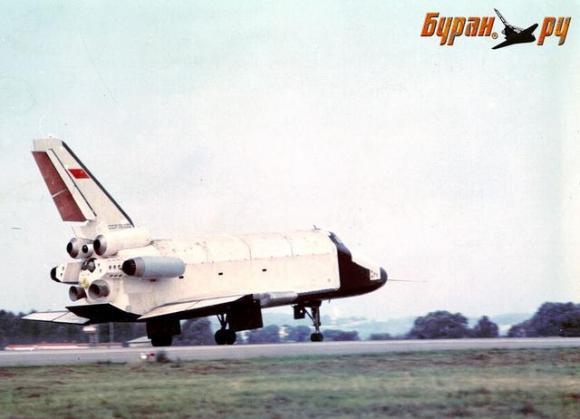比美国航天飞机更牛!前苏联暴风雪号航天飞机验证机试飞中